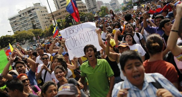 "EL MUNDO YA LO SABE: Human Rights Watch coloca a Venezuela en la lista de democracias ""ficticias"""