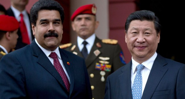 VENEZUELA, VENDIDA A CHINA POR 2 LOCHAS: Deuda con China supera reservas internacionales